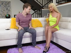 Stripper stepmom Astrid Luminary gives a wondeful blowjob to her stepson in someone's skin living room